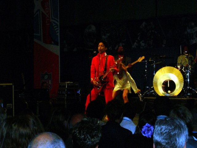 Prince In Concert Super Bowl XLI (1)