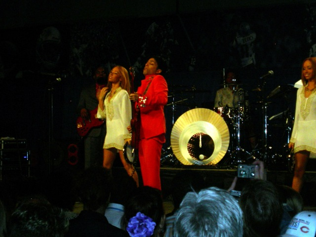 Prince In Concert Super Bowl XLI (3)