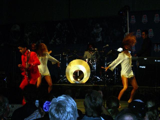 Prince In Concert Super Bowl XLI (8)